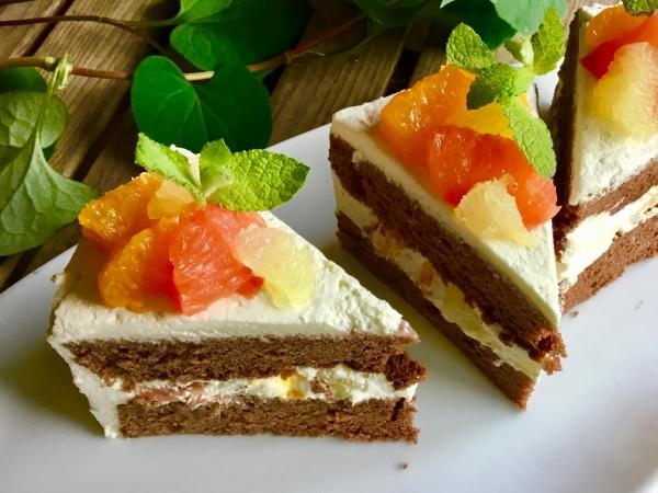 7/5(木)からの季節のケーキ。